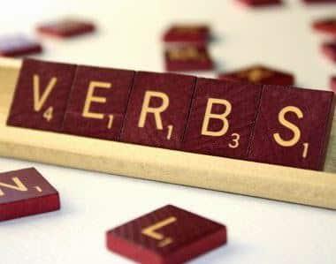 610 Kata Kerja Dalam Bahasa Inggris Beserta Artinya