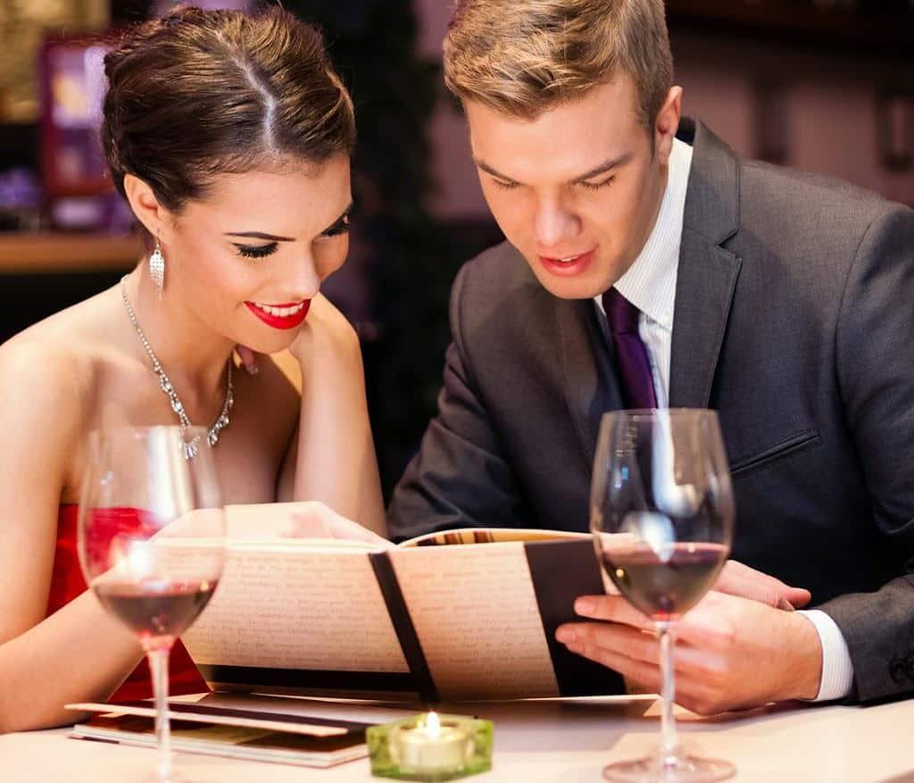 Contoh Percakapan Singkat Bahasa Inggris 2 Orang di Restoran