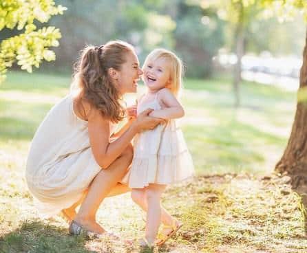 Contoh Descriptive Text Tentang Ibu (Mother) dalam Bahasa Inggris dan Artinya