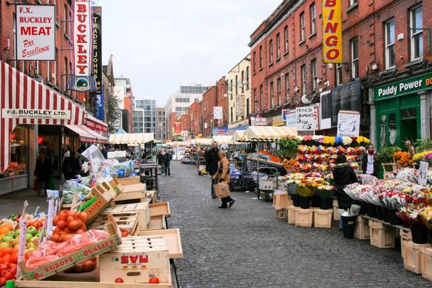 Contoh Percakapan Bahasa Inggris Antara 2 Orang di Pasar Tradisional